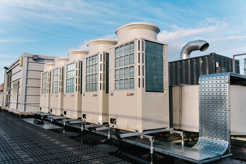 Thermodial hybrid variable refrigerant flow (HVRF) heat recovery units